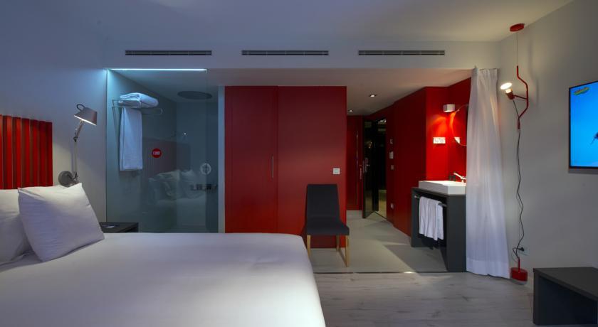 Alojamiento Viajes en Pandilla Madrid, lisboa, Albufeira, Vigo, Valencia, Málaga, Alicante, Barcelona, Oporto