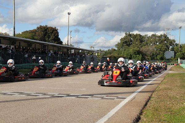 Despedidas de soltero y soltera. Karts en Albufeira. Kartódromo en Algarve