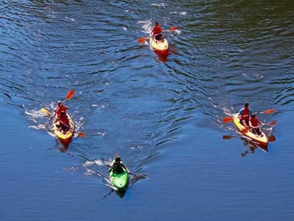 Kayak en Oprto. Actividades para grupos de despedidas de soltero y soltera en Oporto, Portugal.