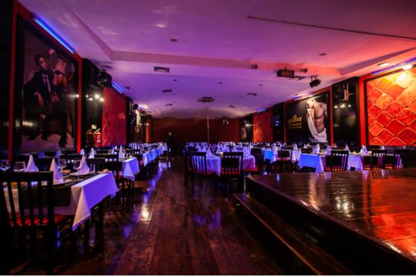 Restaurante con show en Oporto. Restaurante temático erótico en Oporto. Despedidas de soltero y soltera en Oporto, Portugal. Viajes 500 Millas y eventos.