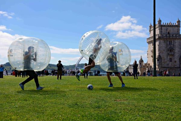 Bubble football en Lisboa. Despedidas de soltero y soltera en Lisboa, Portugal. Actividades divertidas y originales en Portugal