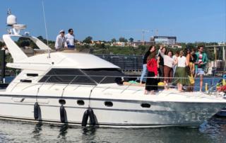 Fiesta en yate en Oporto. Fiesta en barco para despedidas de soltero y soltera en Oporto, Portugal