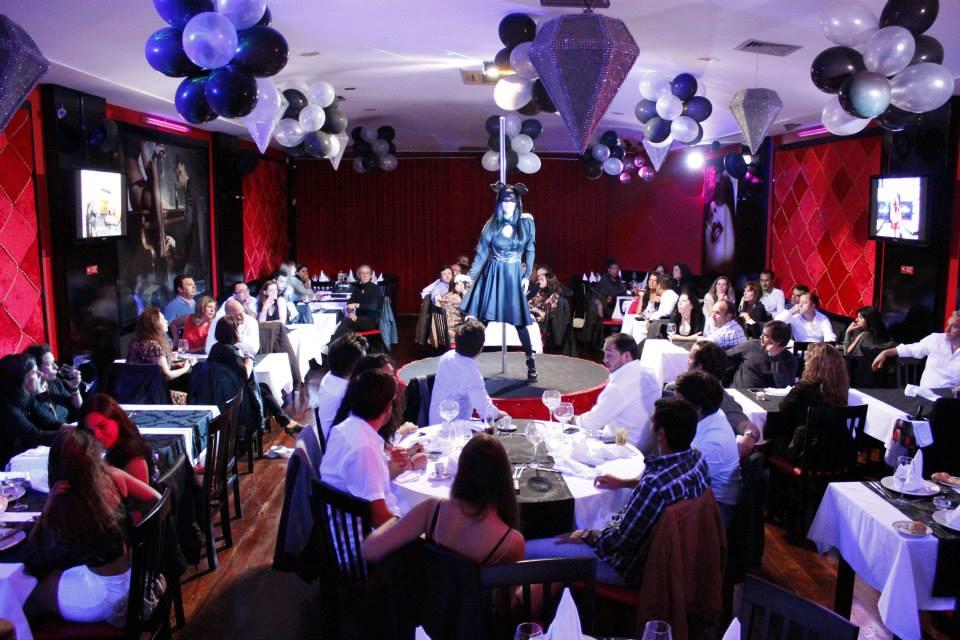 restaurante con show erótico en Lisboa. Cena con show en Portugal
